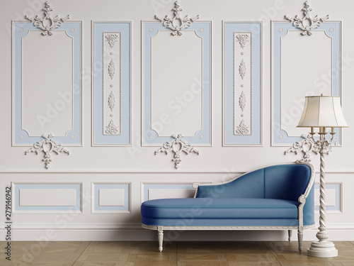 Photographie Classic chaise longue in classic interior with copy space.