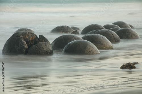 Stampa su Tela Moeraki Boulders on Koekohe Beach, Otago, South Island, New Zealand