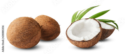 Fotografia Set with Fresh raw coconut with palm leaves isolated on white background