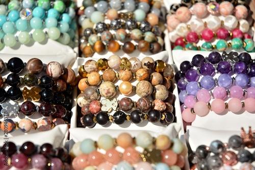 Carta da parati Women's colorful stone bracelets handmade