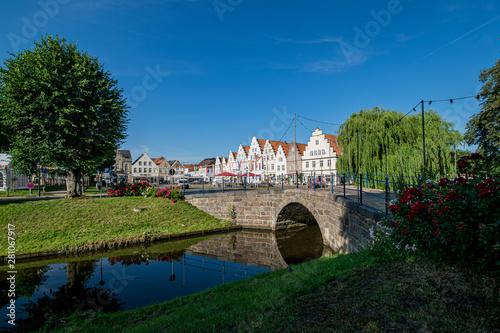 Obraz na płótnie Friedrichstadt is a Dutch settlement in Schleswig-Holstein near the North Sea (f