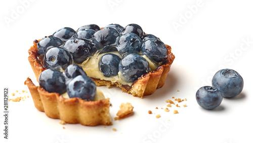 Obraz na płótnie blueberry tart on white background