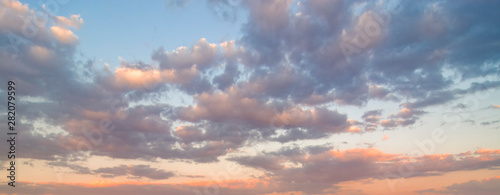Valokuva Beautiful sunset sky. Nature sky backgrounds.