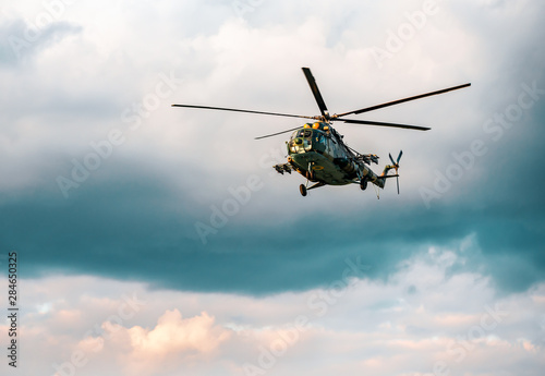 Canvas Print helicopter mi 8 in the air