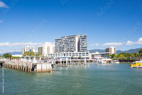 Photo Cairns Waterfront