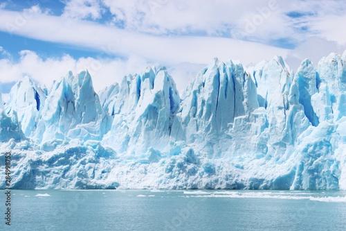 Canvastavla Beautiful shot of icebergs in glacier Perito Moreno, in Patagonia, Argentina