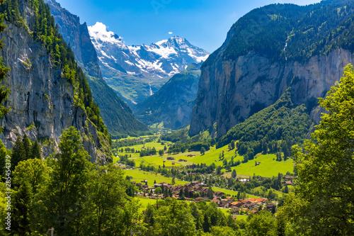 Fototapeta Mountain village Lauterbrunnen, Switzerland