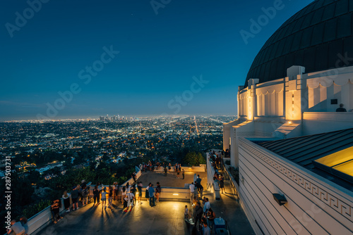 Obraz na plátne Griffith Observatory at night, in Griffith Park, Los Angeles, California