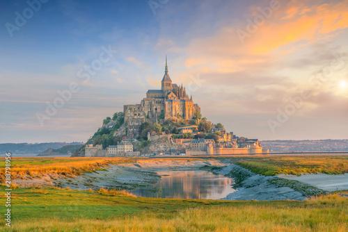 Obraz na plátně Mont Saint-Michel in France