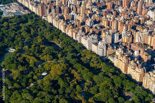 Aerial view of Manhattan, NY and Central Park Fotobehang