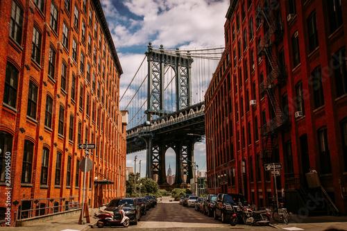 Manhattan bridge seen from a Washington Street in Brooklyn street in perspective Fototapeta