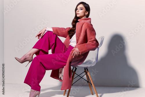 Photo High fashion portrait of young elegant woman