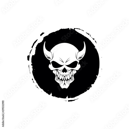 Fotografía demons skull with horns. Vector illustration