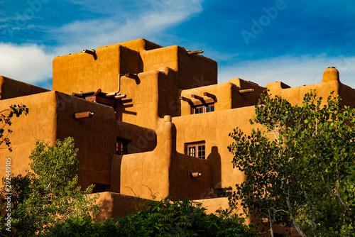 Fototapeta premium Architektura firmy Adobe w Santa Fe
