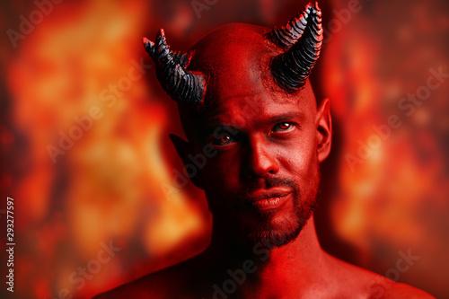 Tableau sur Toile red devil with horns