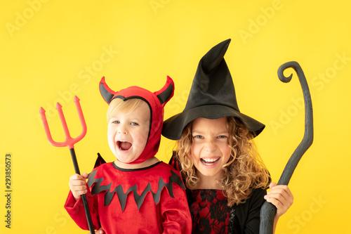 Happy children dressed Halloween costume Tapéta, Fotótapéta