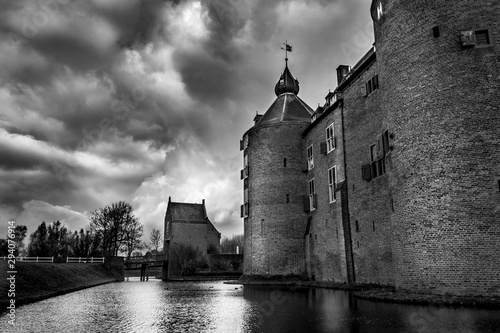 Cuadros en Lienzo Dramatic Black and White of a Medieval Castle in Europe