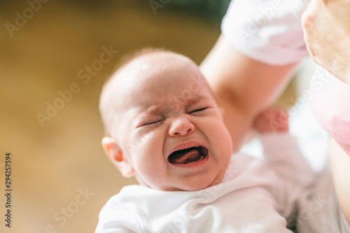 Fotografia Baby cries because he wants to eat or sleep