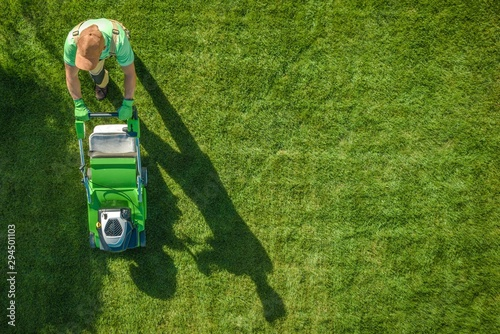 Photo Lawn Moving Aerial Photo