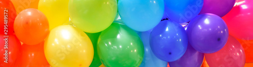 Canvastavla Wide celebration banner background with rainbow multicolored balloons
