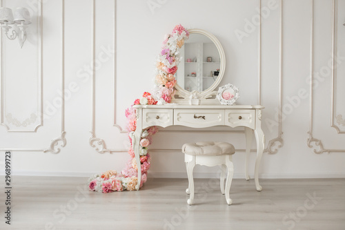 Fotografie, Obraz Vintage style boudoir table with round mirror and flowers