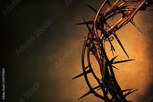 Stampa su Tela Crown of thorns on a ancient dark background.