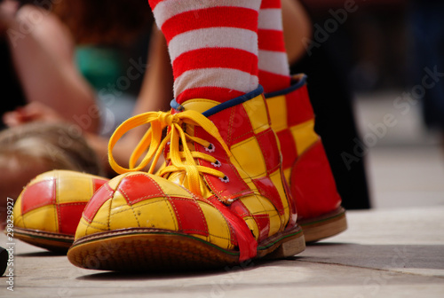 Fototapeta Zapato de un payaso en proximidad