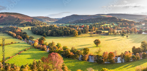Obraz na płótnie Scenic Valley at Autumnal Morning in Wales
