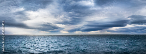 Fotografia Stormy dramatic weather in the Northwest Passage, Canada.