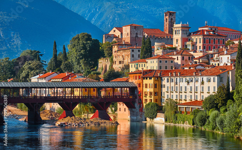 Obraz na plátně Bridge Ponte degli Alpini at river Brenta Bassano del grappa Italy