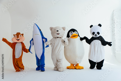 Fotografia Group of animals mascots doing party