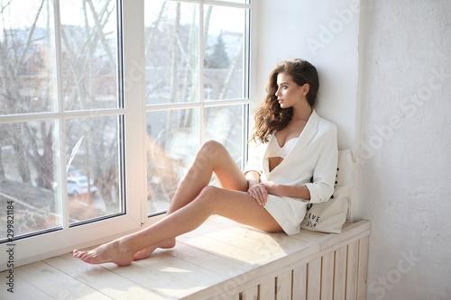 Valokuva Beautiful young female brunette model