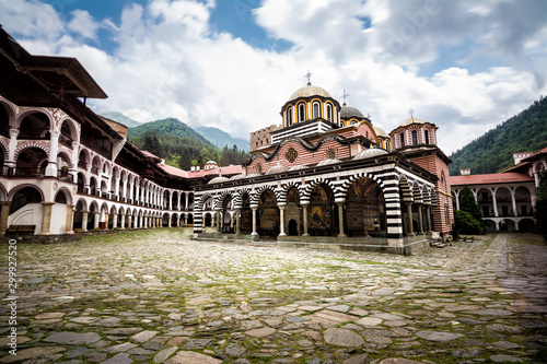 Photo Rila Monastery, one of the main tourist destinations and UNESCO site in Bulgaria