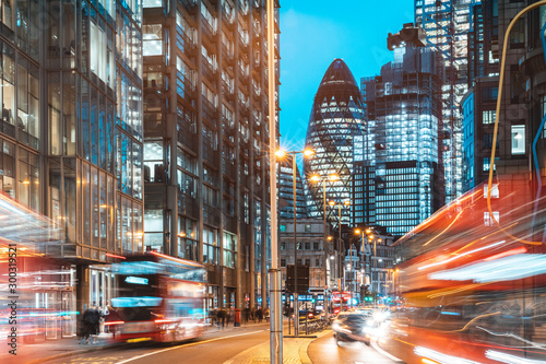 Foto London city view traffic at night