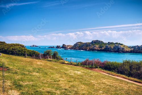 Fotomural Pointe du Grouin scenic view, rocky coastline. Brittany, France.