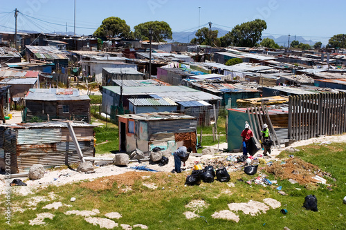Canvas-taulu Shackles in poor township in Cape Town, South Africa