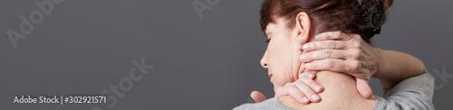 Fotografie, Obraz neck and shoulder gestures for releasing tension