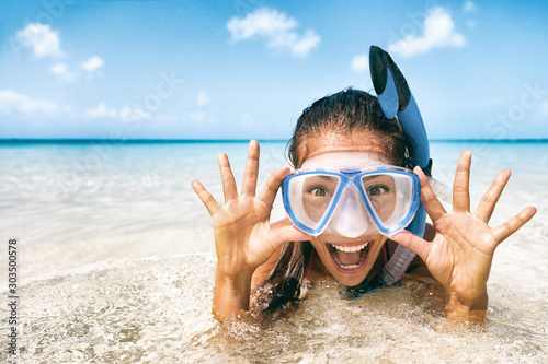 Beach vacation tourist Asian girl swimming in scuba mask making a goofy face фототапет