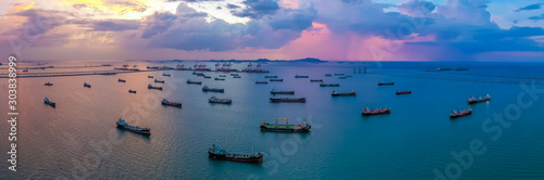 Canvas Print Oil/Chemical tanker ships over open sea at seaport Thailand