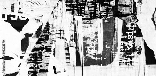 Fototapeta premium Stare zgrywanie podarte plakaty tekstury tła grunge pognieciony zmięty papier vintage collage afisze tło