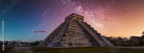 Obraz na plátně chitchenitza during with Milky Way Galaxy