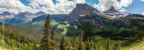 Obraz na plátně Mountains panorama in Glacier National park, Montana