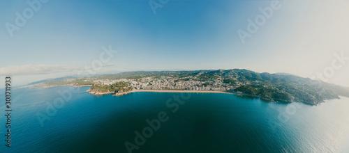 Foto Lloret de Mar on Mediterranean Sea in summer Spain