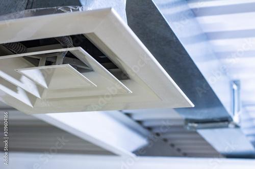 Fotografía square anemostat on galvanized duct ventilation system details