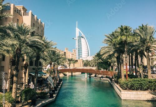 Obraz na płótnie Burj Al Arab hotel from Madinat Jumeirah
