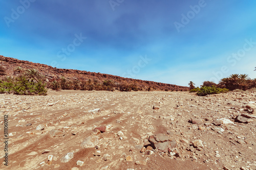 Fotografija View on the moroccan desert, drying of dry river and desertification