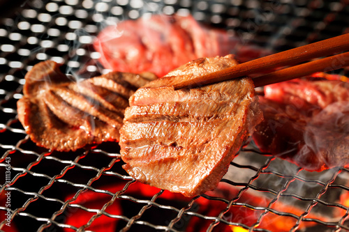 Photographie 厚切り牛タン Thick-cut Gyutan (Sliced beef tongue)