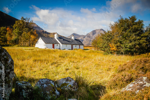 Fotografia Cottage in the Scottish Highlands