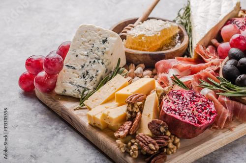 Obraz na płótnie Traditional italian antipasto plate