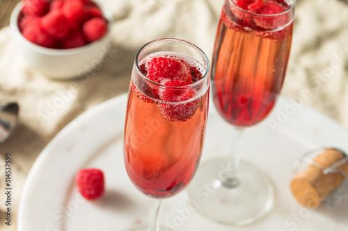 Obraz na płótnie Refreshing Alcoholic Kir Royale